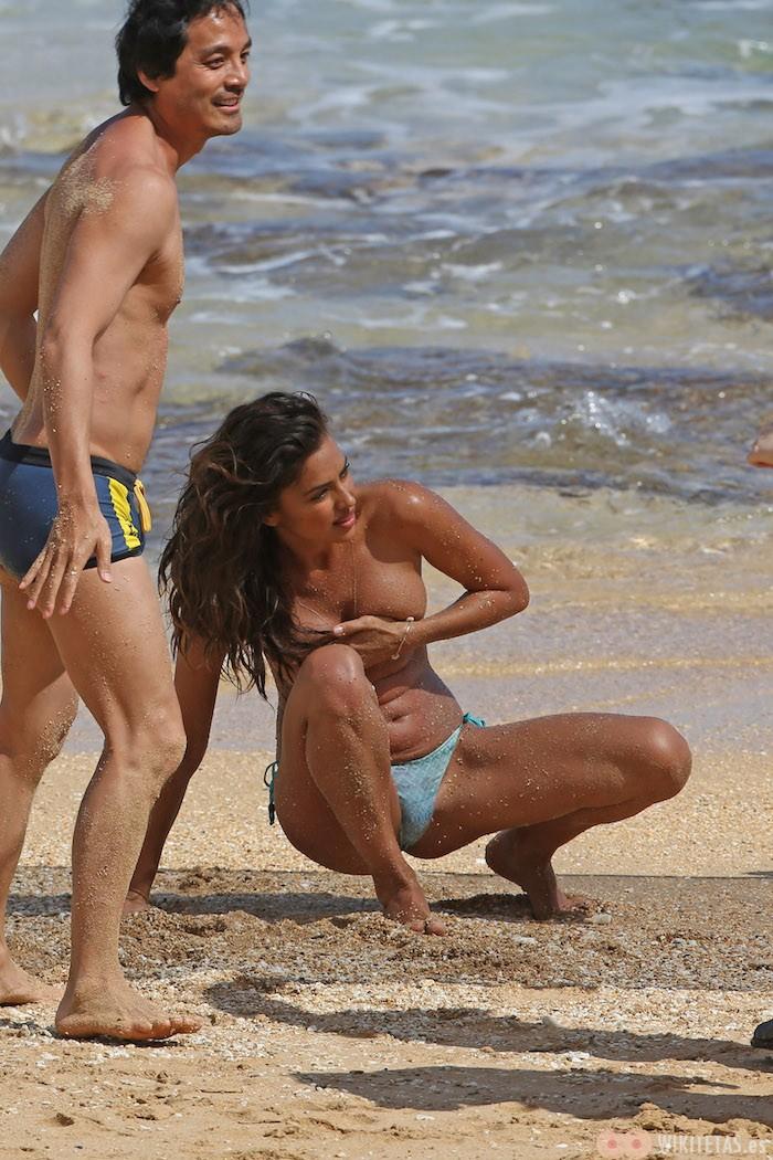 Irina.Shayk.topless.robado.wikitetas10