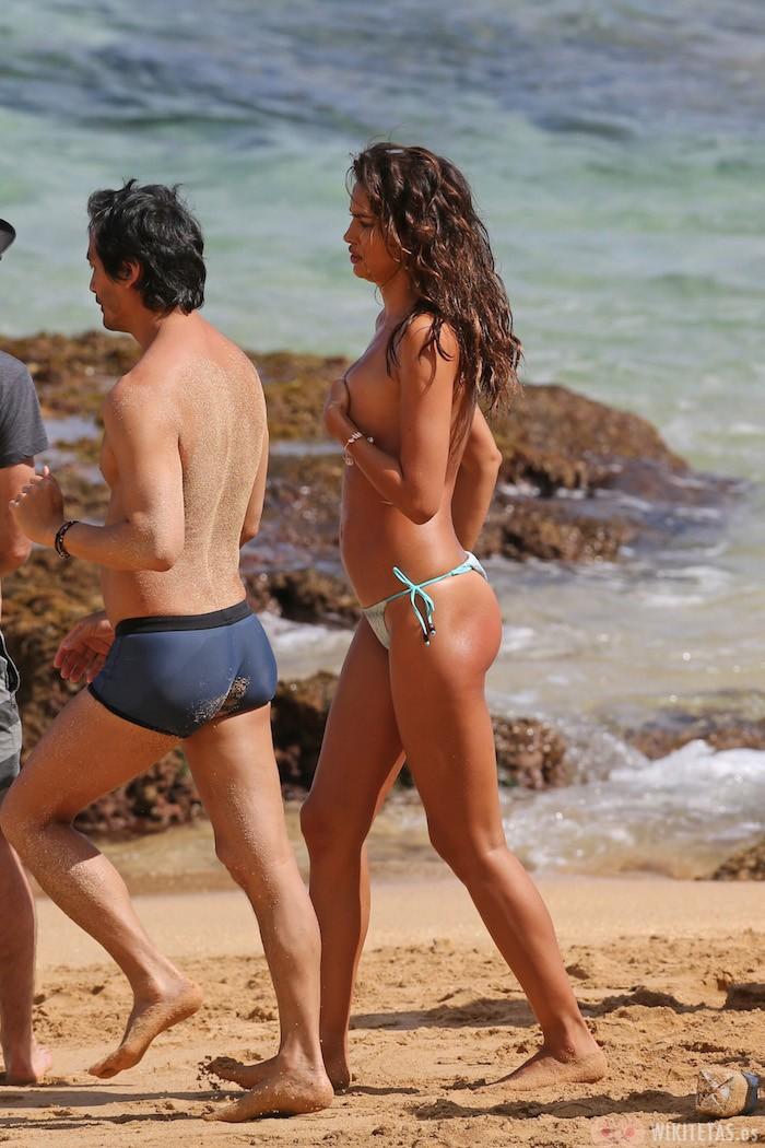 Irina.Shayk.topless.robado.wikitetas18
