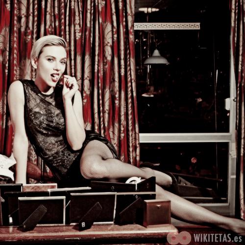 Scarlett.Johansson.wikitetas25